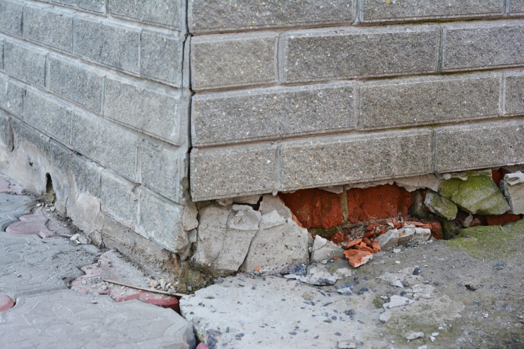 home foundation cracks